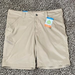 Khaki Columbia Kestrel Trail Stretch Shorts